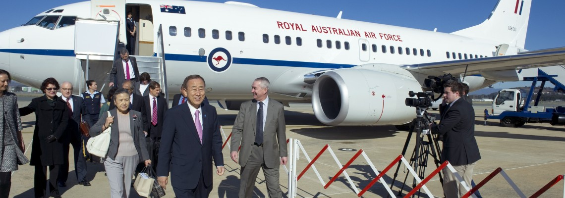 Secretary-General Ban Ki-moon and Mrs. Ban arrive in Canberra.